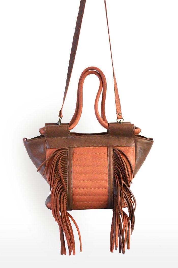 sac à main avec  franges  en cuir camel